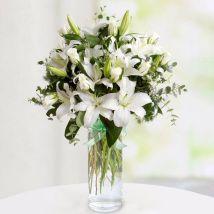 Delightful Mixed Flowers Arrangement: Send Flowers to Egypt