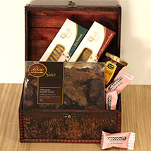 Classic Treasured Box Hamper: Ramadan Gift Ideas