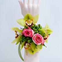 Mixed Pastel Wristlet: Flower Jewellery