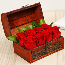 Passionate 8 Red Roses Box: Order Flowers