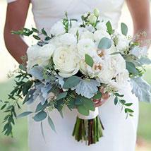 Alluring Bridal Bouquet: Wedding Flowers