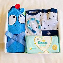 Animal Hoodie Towel & Mittens Baby Hamper: Gift Hampers