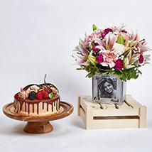 Personalised Birthday Flowers Vase n Cake: Red Velvet Cake Dubai