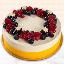 Yummy Vanilla Berry Delight Cake: Cakes Delivery in Umm Al Quwain