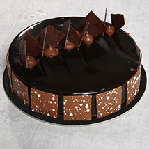Fudge Cake OM: Send Cakes to Oman