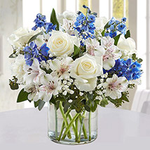 White Rays With Blue Line: Flower Delivery Saudi Arabia